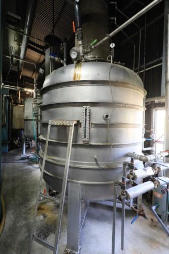 熟成されたもろみはこの蒸留機に入れて加熱し、蒸留します。