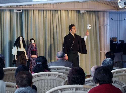 吉田玉誉さんによる人形講座。