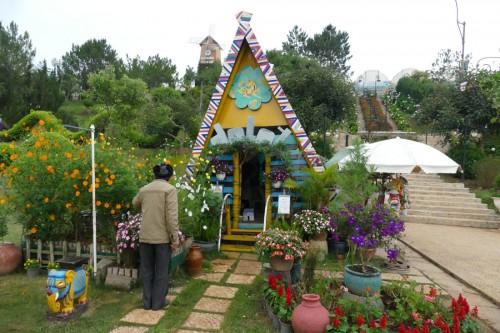 インディアンの家? 庭がかわいい (C)Azusa Shiraishi