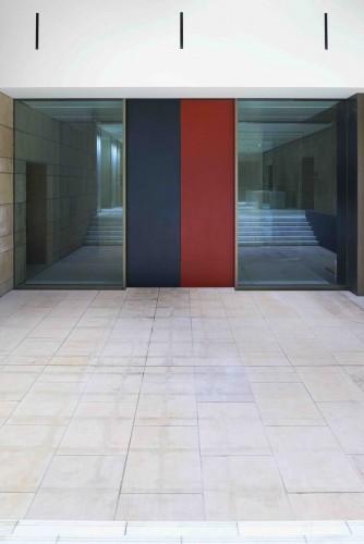 メインエントランスの扉 Photo: Masaki Ogawa/Courtesy of MOA Museum of Art Design Architect: Hiroshi Sugimoto+Tomoyuki Sakakida/NMRL