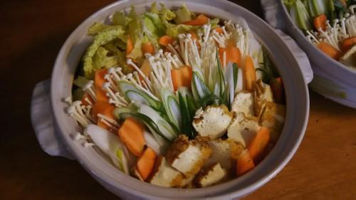 お昼は野菜タップリの水炊き。