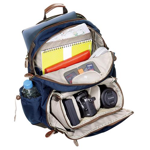 写真=カメラリュック『ハバナ41』(ブルー) 上下2段式、クッションを外せばリュックとして使える。カメラ本体にレンズ1〜2本収納可能。13インチまでのノートPCも入る。