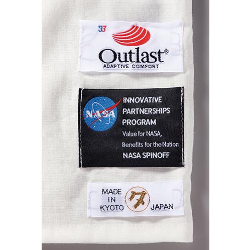 「アウトラスト®」は、NASA(アメリカ航空宇宙局)にも採用された高機能素材加工。認証表示も付く。