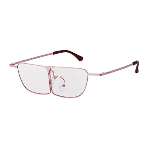 写真=ピンク 日本人の瞳孔間距離に合わせたレンズ設計で、視野が広く、見やすい。ブルーライトは36%、 紫外線は99.9%カット。