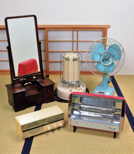 昭和の時代が蘇よみがえるレトログッズ蒐集家として有名。自宅には鏡台や扇風機、ダイヤル式ラジオ、電気ストーブや石油ストーブなどを収納する部屋がある。また旧車好きで、車庫には懐かしいマツダ・キャロルなどが鎮座。