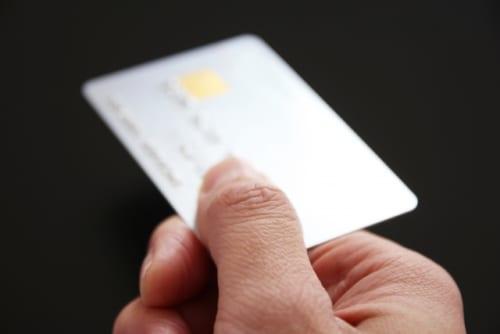 50歳からのカード選び|年会費5万円のプラチナカード。このまま持ち続けるべき?