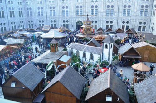 レジデンツの中庭、Kaiserhofのクリスマスマーケット