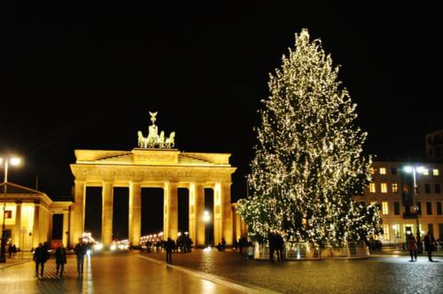 ブランデンブルグ門とクリスマスツリー