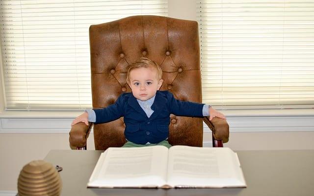 """社長の幼少期をリサーチ! """"生まれ順""""は? """"社長脳""""を育てるおもちゃは? 幼少期の将来の夢は?"""