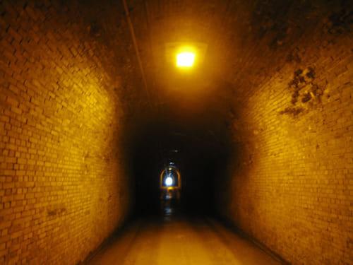 旧三瓶トンネルの内部