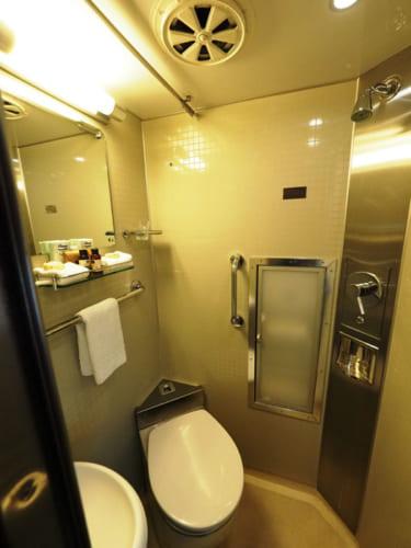 個室内のエアコンやシャワーなどの使用法