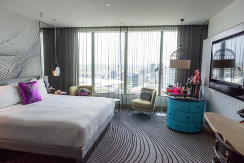 ブリスベンの景色が一望できるホテル「Wブリスベン」<W Brisbane> 81 N Quay, Brisbane City QLD 4000