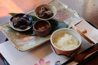「じっくりコトコトまろやか温泉粥」「女将の気まぐれ小鉢」 長野県/白骨の名湯 泡の湯