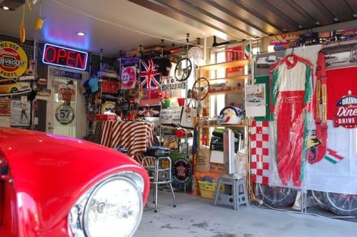 ご自宅のガレージは、守さんの宝箱のよう。