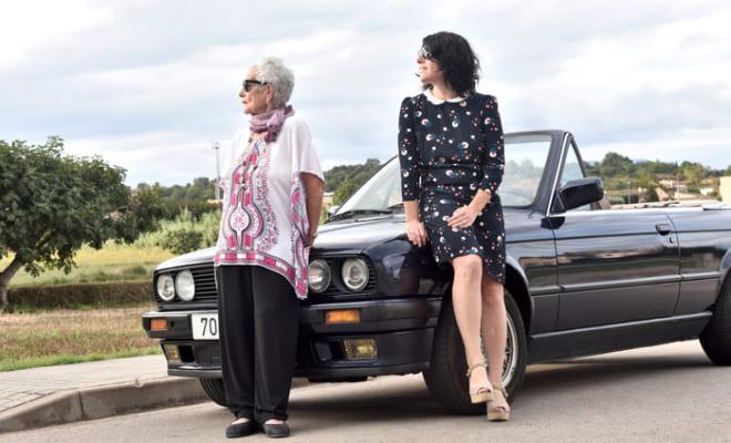 車に愛を! マイカーに愛を注ぐ母の姿は美しい。