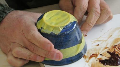 マスキングテープをぐるりと貼り回してズレを防止