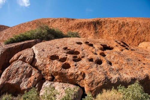さまざまな形の奇岩が連なる