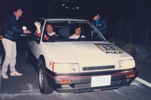 """日本で最初にフルタイム4輪駆動を採用したこのファミリアは、通称""""BFMR""""と呼ばれ、特にラリー競技において高い評価を得ました。"""