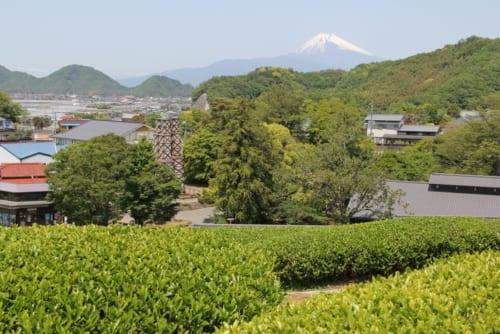 「韮山反射炉」からの富士山