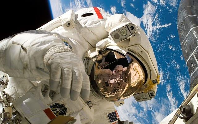 【ビジネスの極意】ホリエモンの宇宙事業に学ぶ、仕事のモチベーションの高め方