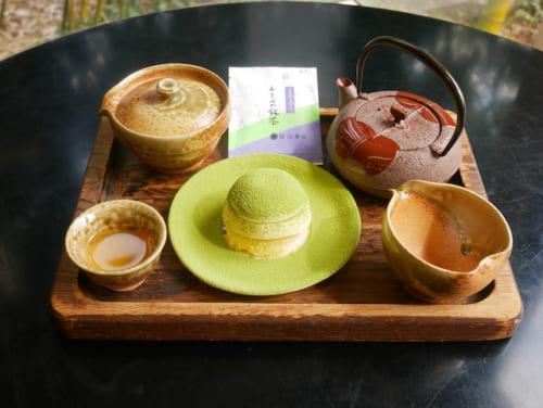 あさみやお茶畑(高級抹茶のティラミス)&あさみや上煎茶1080円。