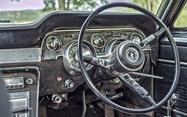 長く運転を続けたいシニアなら読んでおくべき1冊|『運転をあきらめないシニアの本音と新・対策』