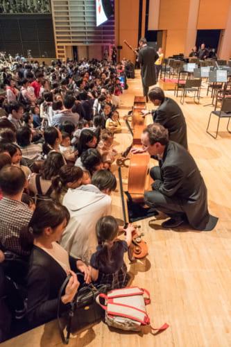 クラシック音楽に家族そろって触れ合うことができる。子供や孫たちも楽しめる。(c)teamMiura
