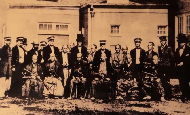 アメリカ訪問時の一葉(前列左からふたり目が小栗上野介・東善寺蔵)