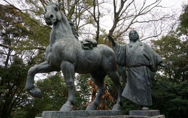 高知城内 山内一豊の妻 銅像