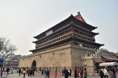 西安を代表する歴史遺産のひとつ鼓楼