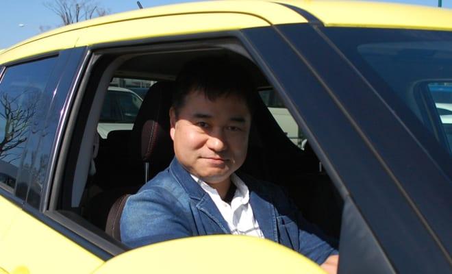 哲也さんの愛車は「元気の良いコンパクトハッチバック」として高い評価と人気を博す国産車。その出会いと物語は【後編】で語ります。