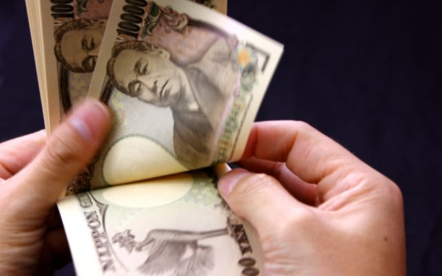 女子大生の月収は最高100万円超え!新たに「パパ活」や「ギャラ飲み」という収入源も!|Z世代におけるお小遣い稼ぎとは?