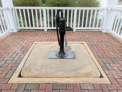ヘレンケラーが「Water」の意味を理解した井戸は、今も大切に保存されている