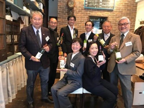 「勝沼ワイナリークラブ」に所属する8生産者たちが集い、試飲会が行われた。
