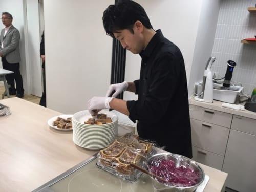 フランス料理の世界大会「ボキューズ・ドール国際料理コンクール」の日本代表シェフも務めた長谷川幸太郎さん。