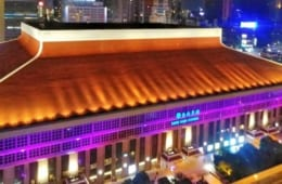 夜の台北駅。