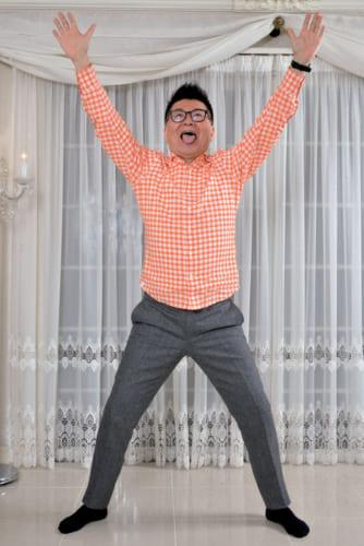 生島さん考案の『おはようヒロシ体操』はシニアが対象で、太ももを鍛える、身体をひねる、リズミカル、伸びるの4つに重点を置く。医学的監修は順天堂大学医学部教授の小林弘幸さん、振り付けは次男のプロダンサー・生島翔さん。
