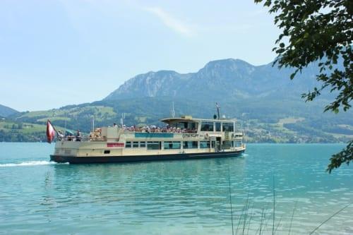 アッター湖の遊覧船