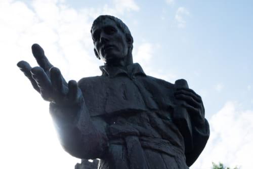 ルイスフロイス像
