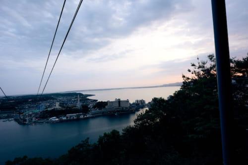 湖上からロープウェイで望む、感動の夕焼け