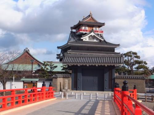 応永12年(1405)、尾張国守護職であった斯波義重が建てたのが清須城の始まり
