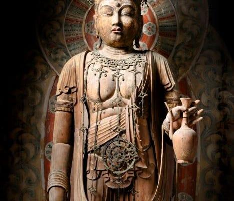 国宝「十一面観音菩薩立像」平安時代・9世紀 奈良・室生寺蔵 撮影・三好和義