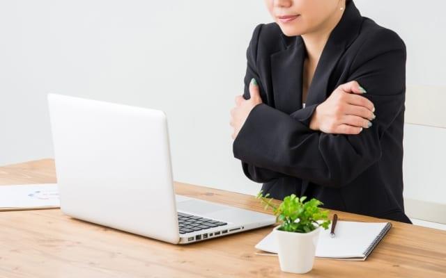 オフィスの温度が仕事効率や人間関係を変える!?|夏場のオフィスの温度事情