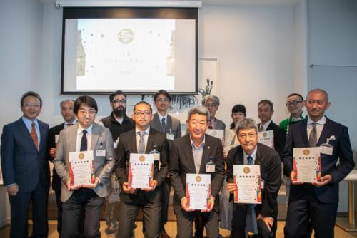 五つ星を獲得し、この日の表彰式に参加した生産者たち。