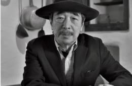 ファーブル昆虫館「虫の詩人の館やかた」(※東京都文京区千駄木5-46-6 電話:03・5815・6464(開館時のみ)、開館:土曜・日曜の13時〜17時、入場料:無料)ではファーブルの生家を再現。同時代の家財道具も展示。奥本さんが着用している帽子とコートもファーブル愛用のものと同じ。