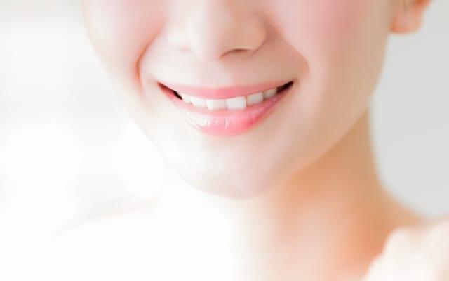 顔全体の歪みをチェック!|健康美人は頭蓋骨のバランス改善から