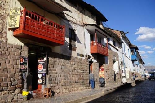 クスコ市内、「太陽の神殿」のすぐそばにあるチチャロン・ストリート。
