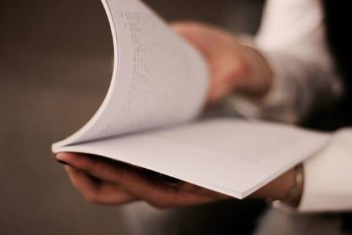 声の老化は、音読で改善できる|『医師が教える「1日3分音読」で若くなる!』