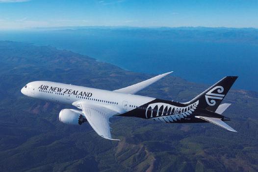 日本路線は、主にボーイング787-9型機が運航。ニュージーランドへの直行便、東京(成田)~オークランド線は毎日運航。フライトは約10時間半。