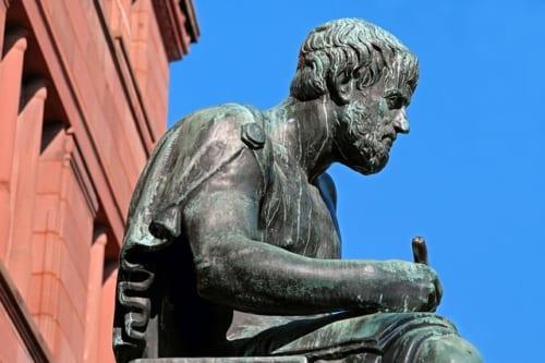 【ビジネスの極意】「万学の祖」アリストテレスの相手を納得させる5つの話し方